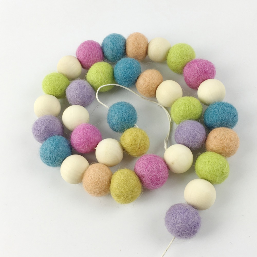 20mm 30pcs wool felt garland wooden beads Pom Pom Nursery child room holiday wall decor Wool Ball Bunting Baby bed bell decorati