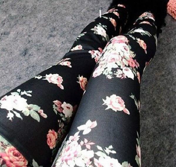 Elegant Leggings with Flowers