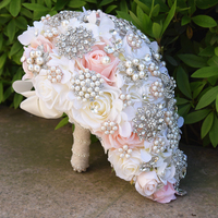 White hot Artificial Calla Lilies Teardrop Wedding Bouquet Red Rose Bridal Flower Bouquet Handmade Crystal Bruidsboeket Waterval