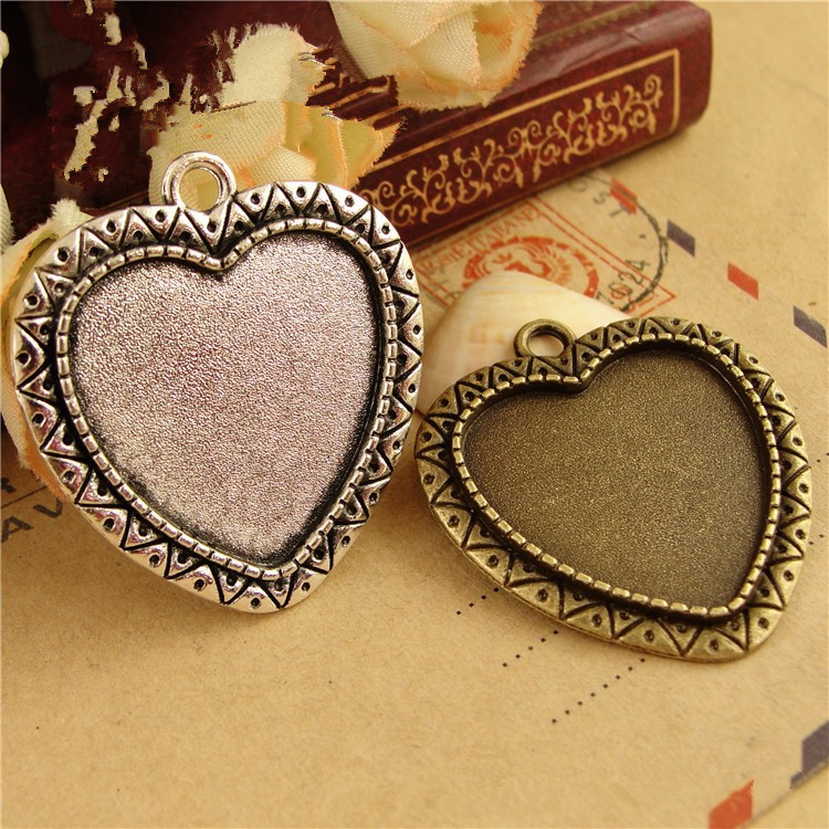(30 pieces/lot) To fit 25MM heart-shaped cabochon antique bronze/silver plated vintage style alloy pendant tray settings hm658
