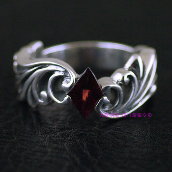 Thailand jewelry  rhombic garnet rings decorated with Thai silver ring
