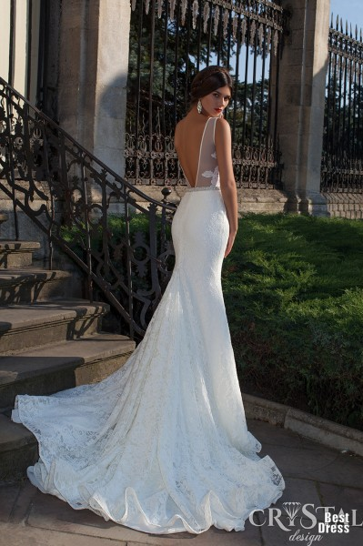 2015 Boho Sexy Beach Wedding Dresses Bateau Neck Illusion Lace Embellished Backless White Sheath Sweep Train Bridal Gowns In From