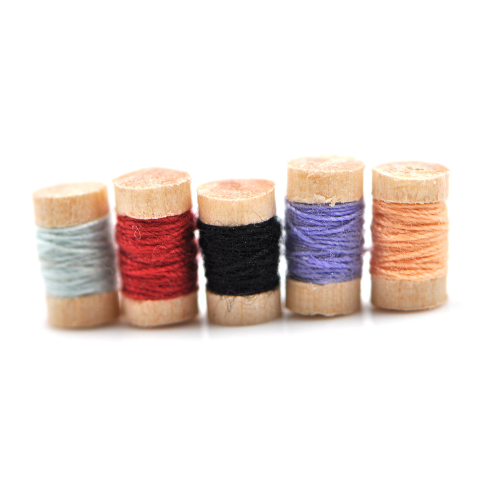 1:12 Miniature Wooden Spools Of Multicolored Thread Sewing Tools Kit Dollhouse Accessories Furniture Toys