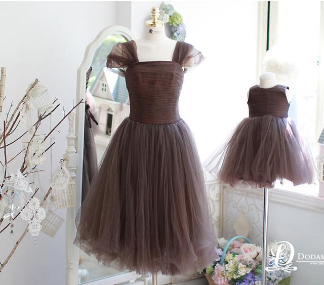 O envio Custom Made 2 Peças/$99 USD Tulle Chiffon Curto Moda de Café Da Família de Mãe e Filha Vestidos de Correspondência para o Casamento