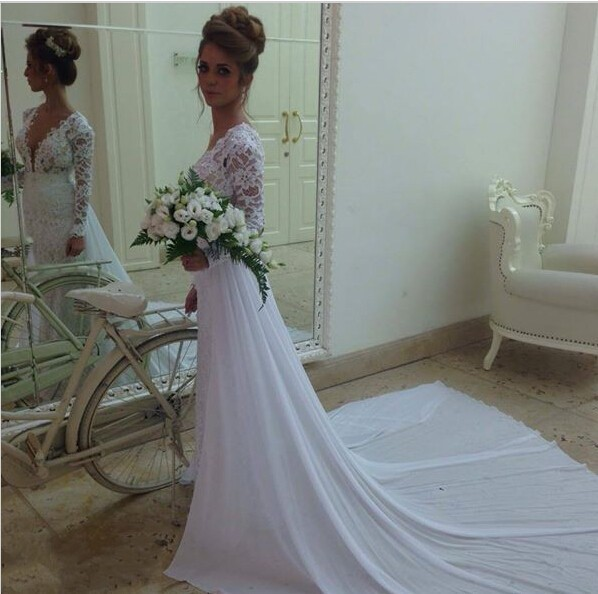 2015 Summer White Wedding Beach Dress Long Sleeves V Neck Lace