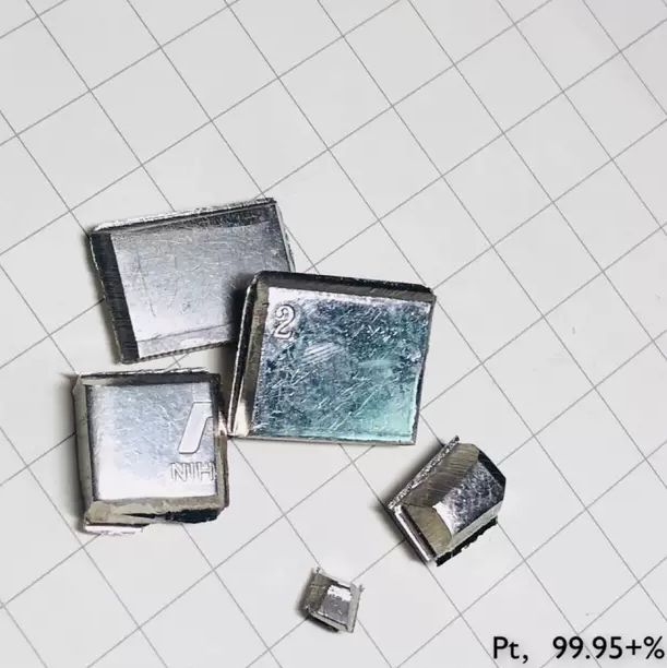Osmium metal element 76 sample 0.1 gram CRYSTALS 99,99/% in labeled glass vial