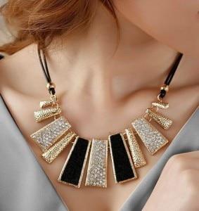 Ny stil Vintage sort reb Uregelmæssig geometrisk figur Kort Rhinestone halskæde design