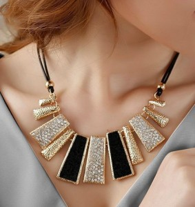 Ny stil Vintage svart rep oregelbunden geometrisk figur Kort Rhinestone halsband design