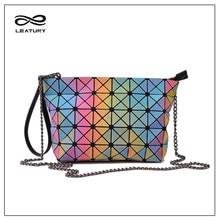 LEATURY 2017 Nuevos bolsos de Las Mujeres Del Arco Iris Noctilucent Moda Geometría Bolsos de Marca Famosa Mujeres Bolso de Noche para la Fiesta
