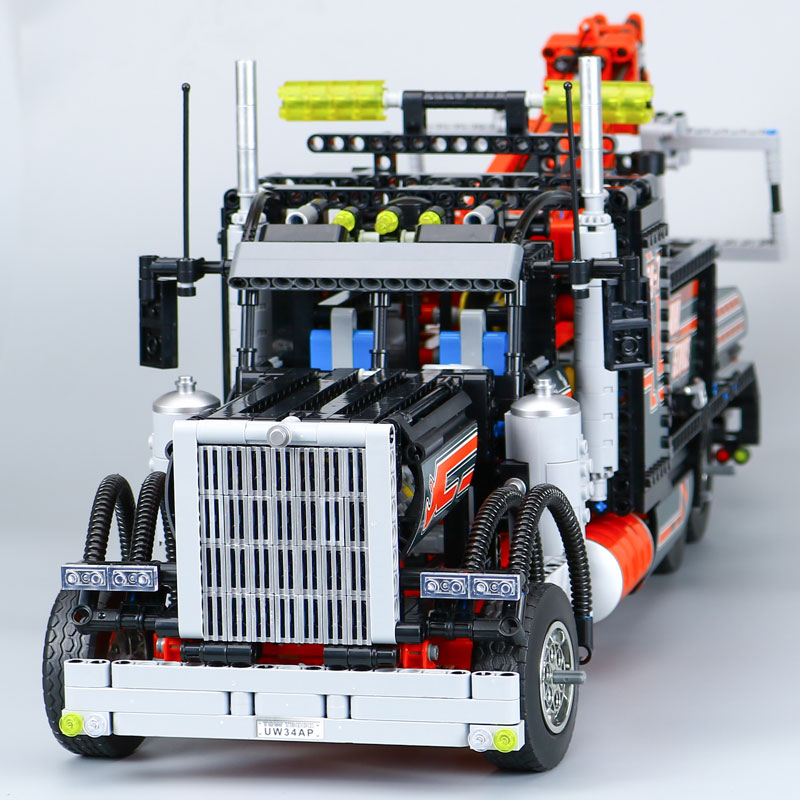 IN STOCK LEPIN 20020 1877Pcs Technic Series Pneumatic Tow Truck Model Building Kits Blocks Bricks Toy Compatible Toys Gift 8285 lepin 22001 pirate ship imperial warships model building block briks toys gift 1717pcs compatible legoed 10210