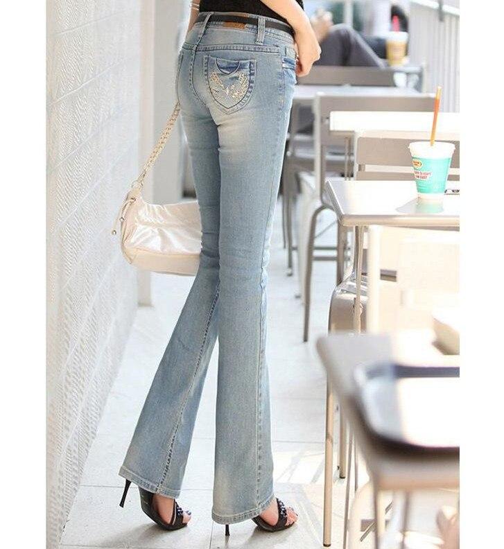 Девушка джинсах попа доставка