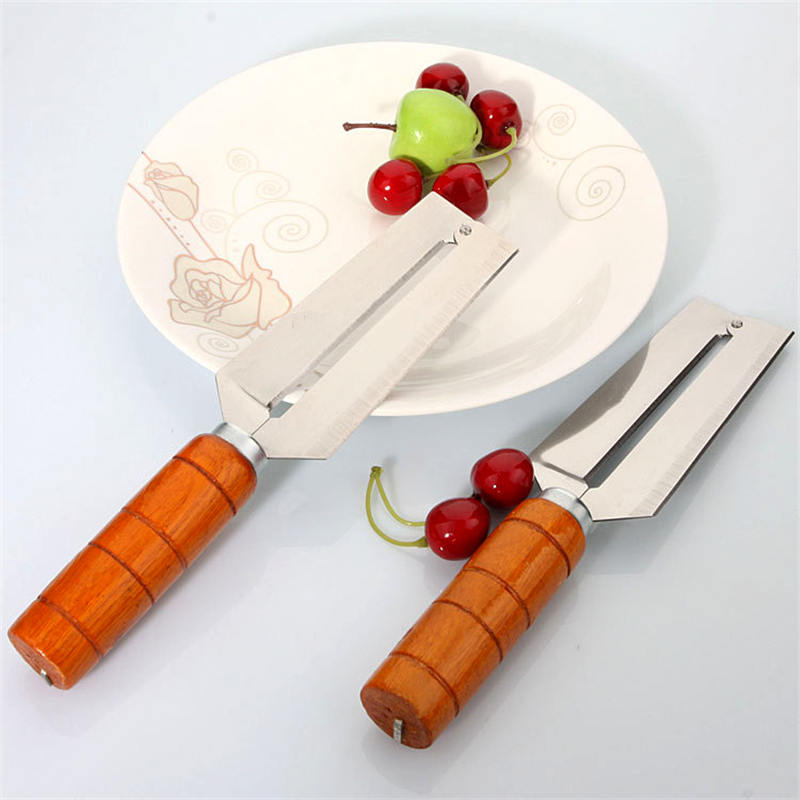 DoreenBeads Sugar Cane Fruit Cutting Tool with wooden Handle Pineapple Peeler Vegetable Slicer Kitchen Knife 22x12.5x4.5 cm 1 PC