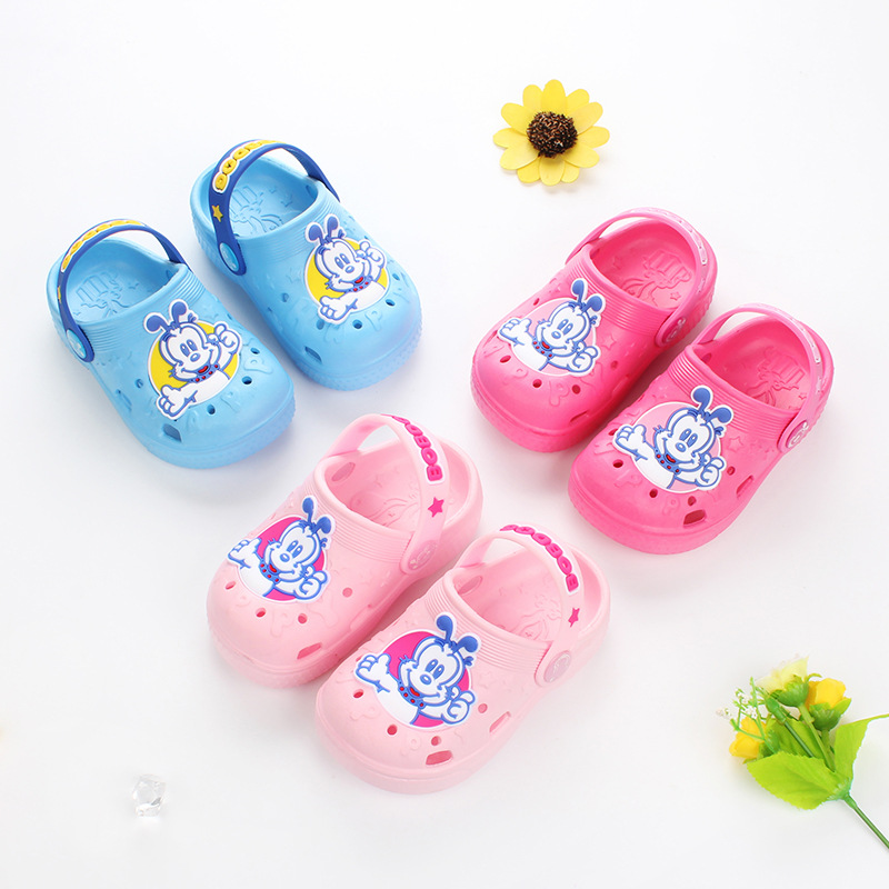 BOBDOG 2018 summer new childrens hole shoes boys baby children cartoon soft anti-skid cool slippers size 22-28