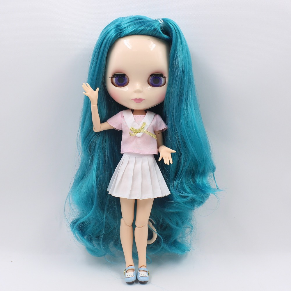 Neo Blythe Doll with Turquoise Hair, White Skin, Shiny Face & Jointed Body 3