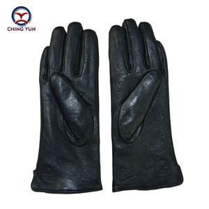 Image 5 - 2017 New Black Thicken Bow Leather Gloves Women Genuine Leather Gloves Winter Autumn Ladies Fashion Brand Warm Leather fv04