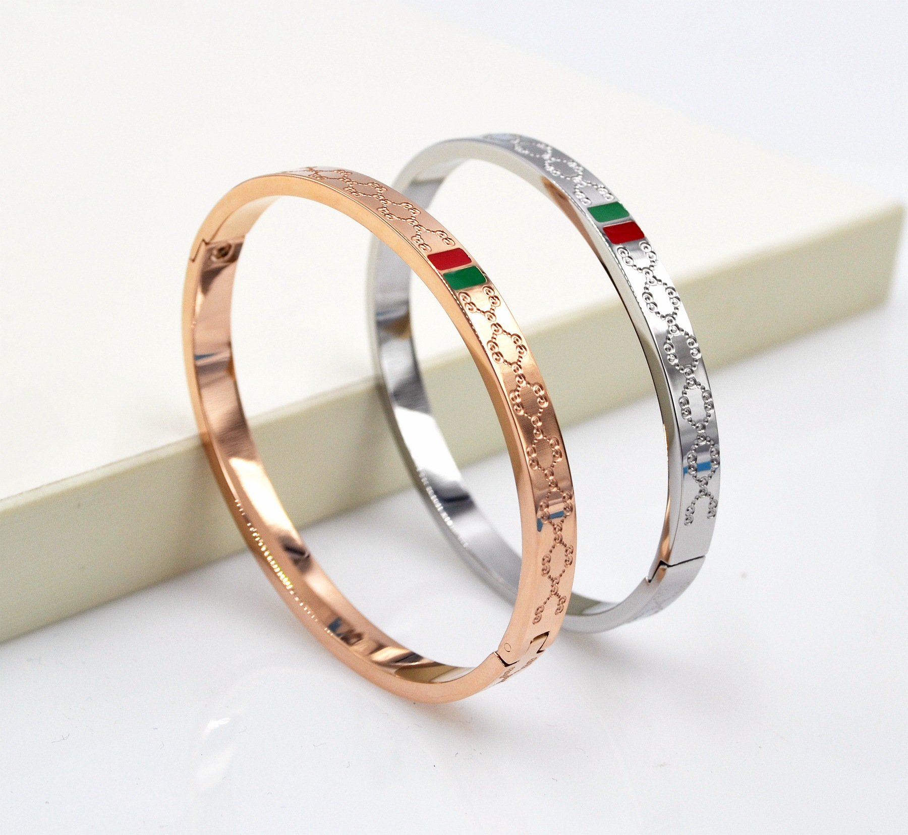 A Korean version of the G steel rose gold bracelet female models the new high quality wholesale selling special offer exquisite 2015 special offer bolsas designer handbags high quality korean manufacturers selling new are cross printed student bag cheap