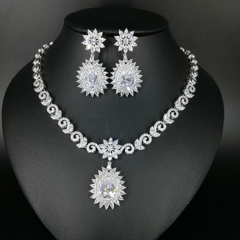 все цены на 2018 NEW FASHION,retro crystal water drop zircon necklace earring set,wedding bride dinner dress banquet jewelry free shippin