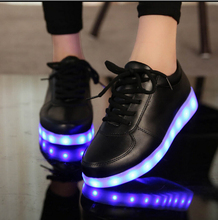 2017 colorful LED flash light shoes for men and women lovers usb rechargeable LED lights noctilucent adult casual shoes Dancing