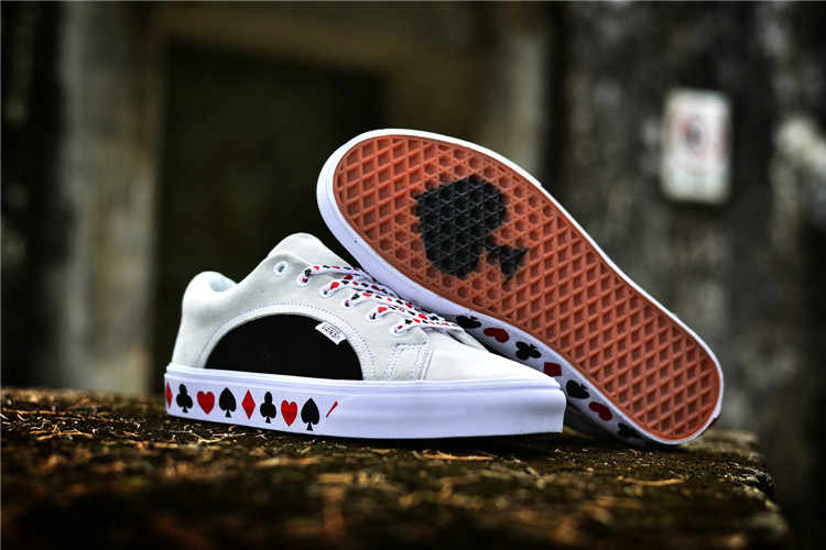 340c9912c8b3 Original New Arrival Urban Outfitters x Vans 2018 Men and Womens Sneakers  Playing Card Slip-