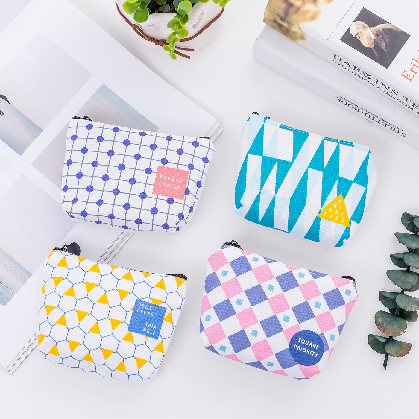 Creative Small Geometric Coin Purse Mini Canvas Money Bag Cute Coin Wallets for Women Children Simple Short Change Purse pacgoth creative pvc waterproof cute carton candy color purse dessert donuts summer sweet hearts zipper coin purses money bag