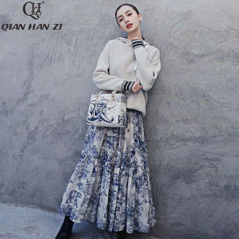 Qian Han Zi otoño/invierno traje de pasarela conjuntos mujer de manga larga con capucha suéter Top + patrón estampado bohemio medio conjunto de falda de 2 piezas-in Conjuntos de mujer from Ropa de mujer    1