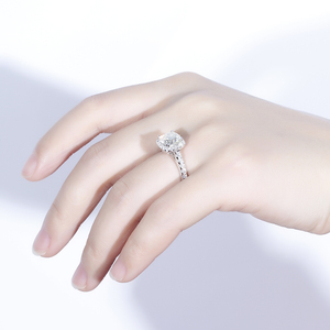 Image 5 - Doveggs Vintage Sterling Solid 925 Silve Center 2ct 7.5 Mm Kussen Cut Hi Kleur Gemaakt Moissanite Halo Engagement Ring Voor vrouwen