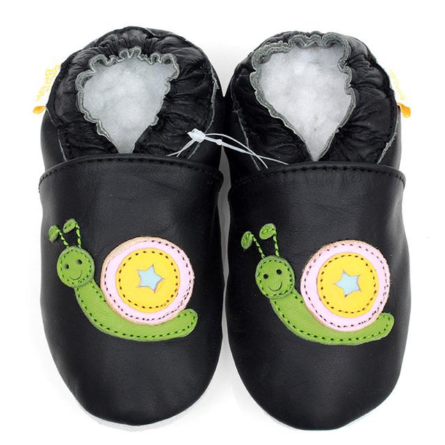 Zapatos de bebé de cuero bebé recién nacido zapatos mocasines animales suaves únicos zapatos infantiles chicos negros zapatos del niño zapatillas