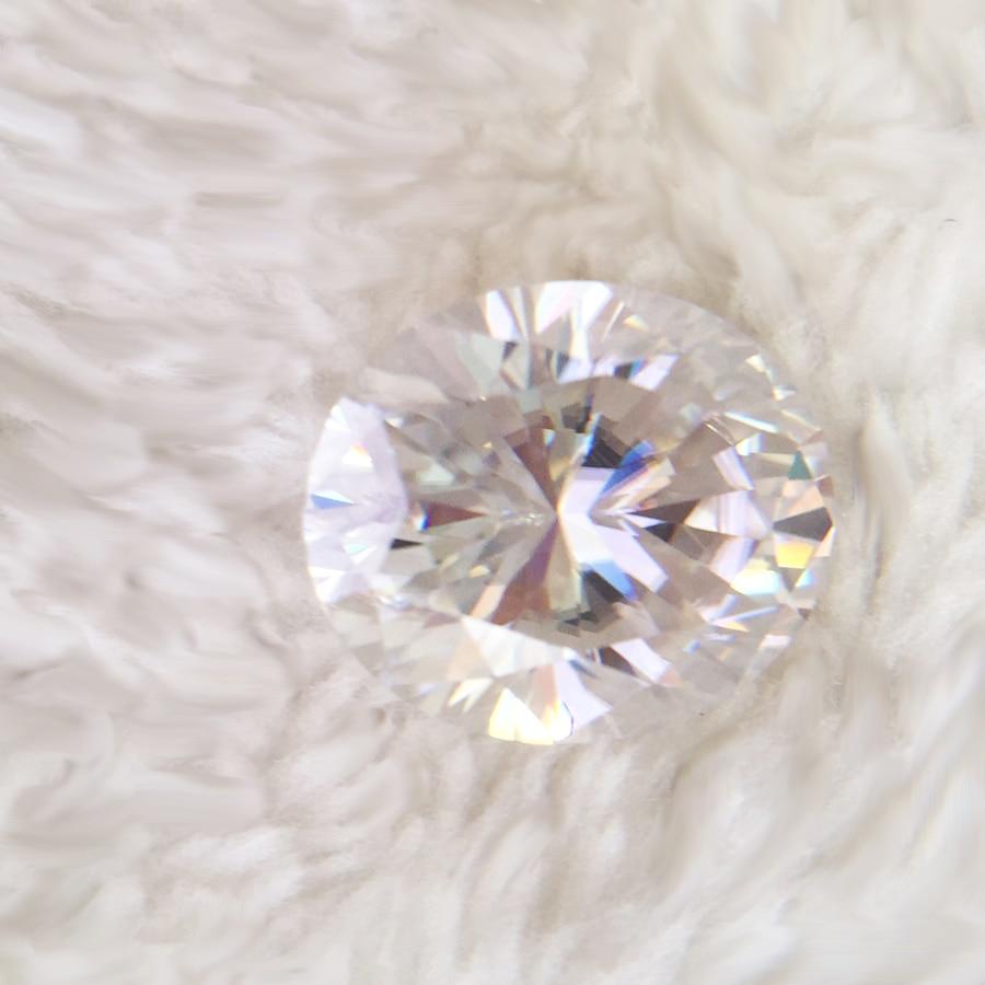 Здесь продается  Moissanite loose stones Oval Brilliant Cut 6x4mm 0.6Carat DEF Color Test positive Diamond Bead  Fashion Jewelry  Ювелирные изделия и часы
