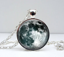 new hot Full Moon Pendant Necklace Unique Space Planet jewelry Art Photo moon Necklace accessory Romantic Gift for lovers HZ1