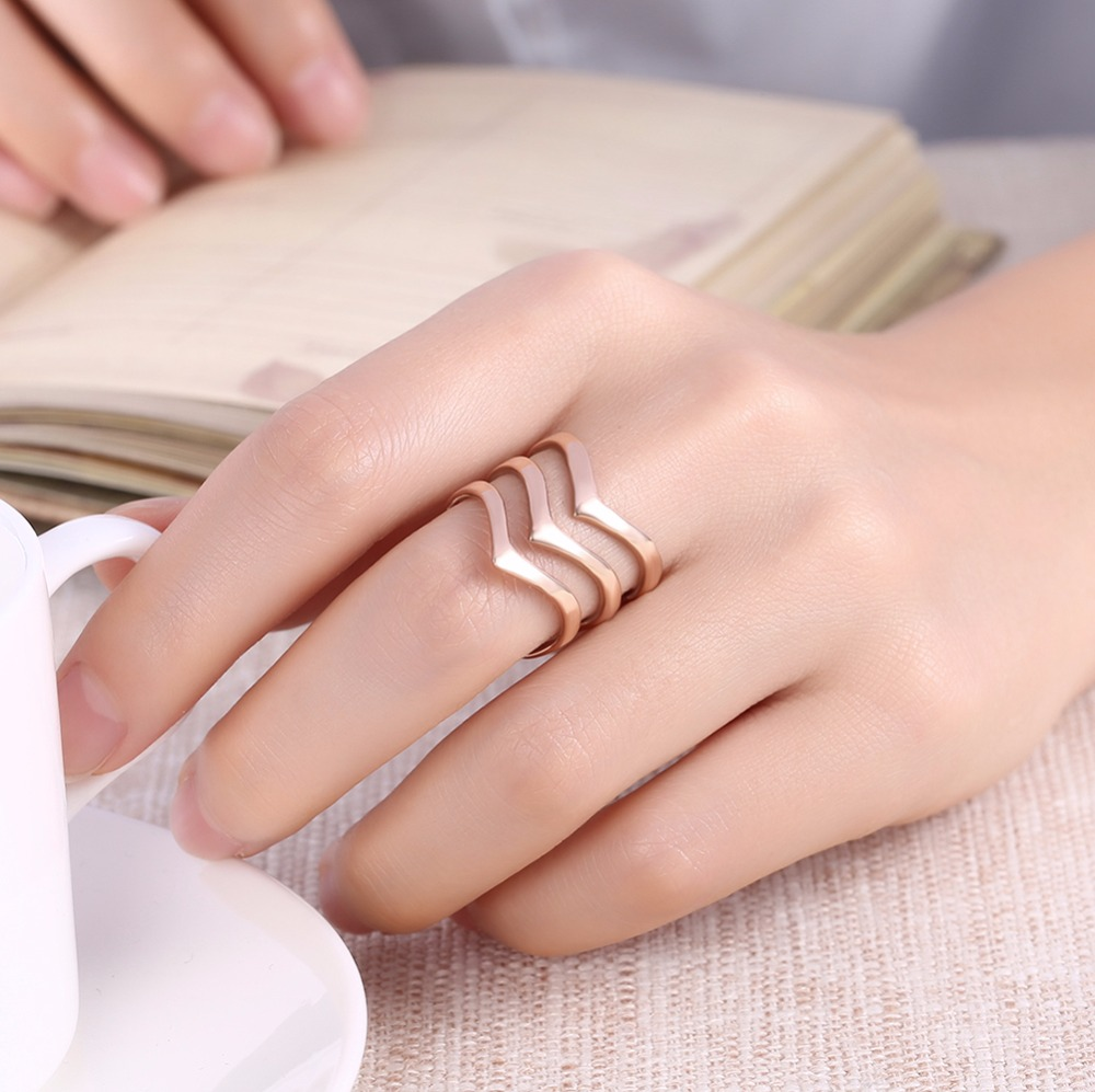 Creative waves titanium steel rose gold golden color Rings gifts box ...