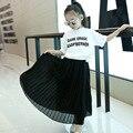 Primavera Traje de Verano Nuevas Muchachas del Desgaste de Los Niños Faldas Plisadas Cintura Blanco Negro Rosa Ropa Para Niños