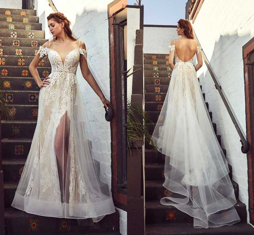 Romantic Lace Princess Wedding Dress Backless Spaghetti Straps Short Sleeve Bridal Gown With Tulle Train See
