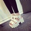 Sandalia plataforma COOTELILI Verão 2017 Fivela Saltos Grossos Plataforma Sandálias Gladiador Das Mulheres Sapatos De Couro Das Mulheres