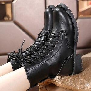 Image 2 - Mắt Cá Chân Giày Cho Nữ Màu Đen Size Lớn 4.5 10 Xe Máy Tăng Da Thời Trang Giày Cao Su Nữ Spring Gothic giày