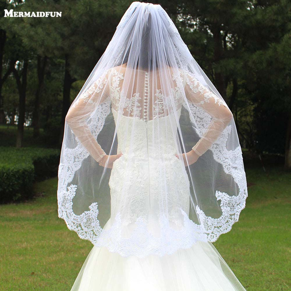 2018 Real Photos One Layer Lace Edge Short Woodland Wedding Veils with Comb Romantic White Ivory Tulle Bridal Veils