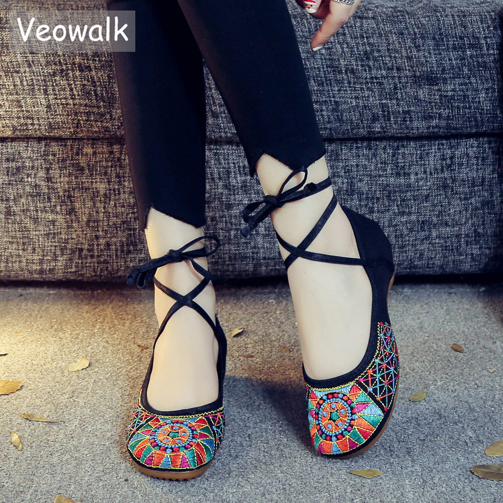Veowalk Handmade Fashion Vintage Women's Old Peking Ballet Flats Ladies Embroidery Soft Sole Lace-Up Casual Shoes Zapatos Mujer