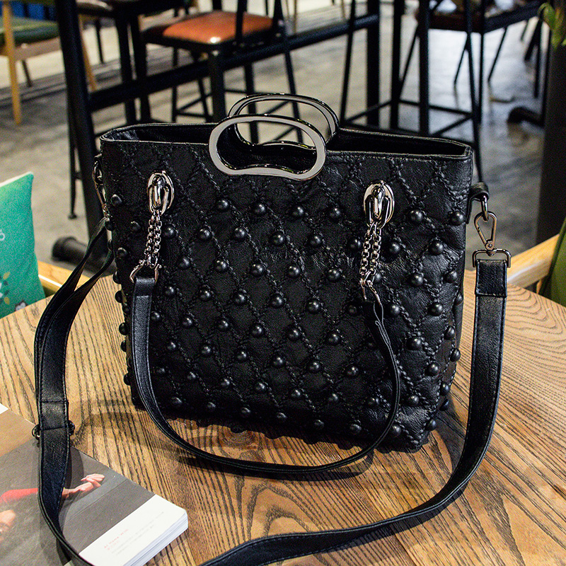 Brand 2018 Winter New Women PU Leather Purse and Handbag Big Tote Bags Rivet Designer Crossbody bags New Design shoulder bag 858 sweet women s tote bag with color block and pu leather design