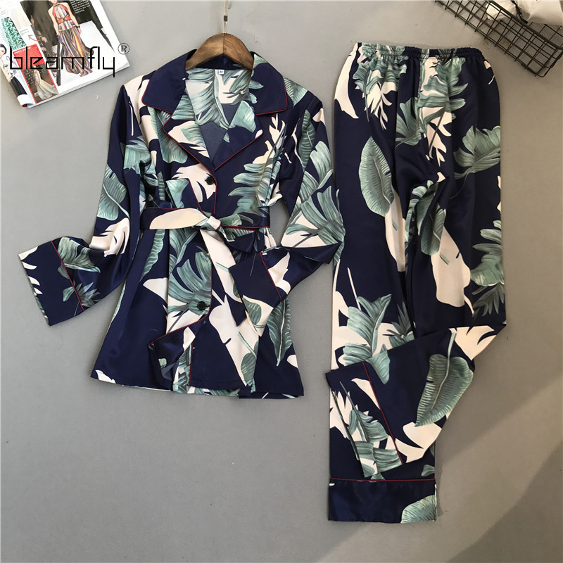 Detail Feedback Questions about 2018 Women Pajama Sets Fashion Cute Lady  Girl Spring Pajamas Set Sleepwear Long Sleeve Printing Tops And Pants on ... 4d6990418