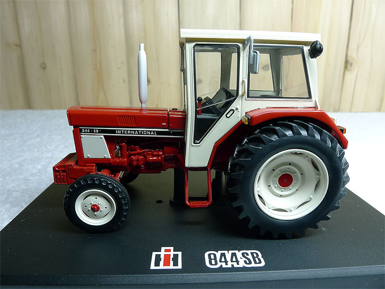 1:32 Case 844SB (REP105 ) Tractor Models Alloy model agricultural vehicles Favorites Model bburago 1 18 458 alloy supercar model favorites model