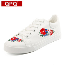 QPQ 2017 Toile Chaussures Femme Plate-Forme Mocassins Broder Creepers Printemps Dentelle-Up Appartements Casual Fleurs Femmes Chaussures