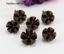 Lucia crafts 20pcs/lot Random Size Natural dried flowers Nutshell Handmade candy box Christmas Wedding decoration H0450