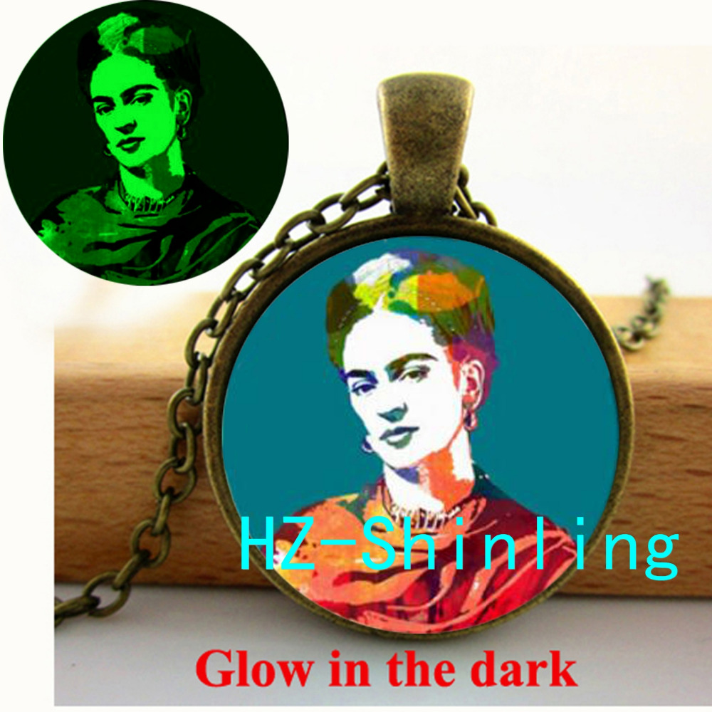 Glowing Jewelry Frida Kahlo Portrait Necklace Frida Kahlo Pendant Jewelry Glass Dome Pendant Glow in the Dark Necklace