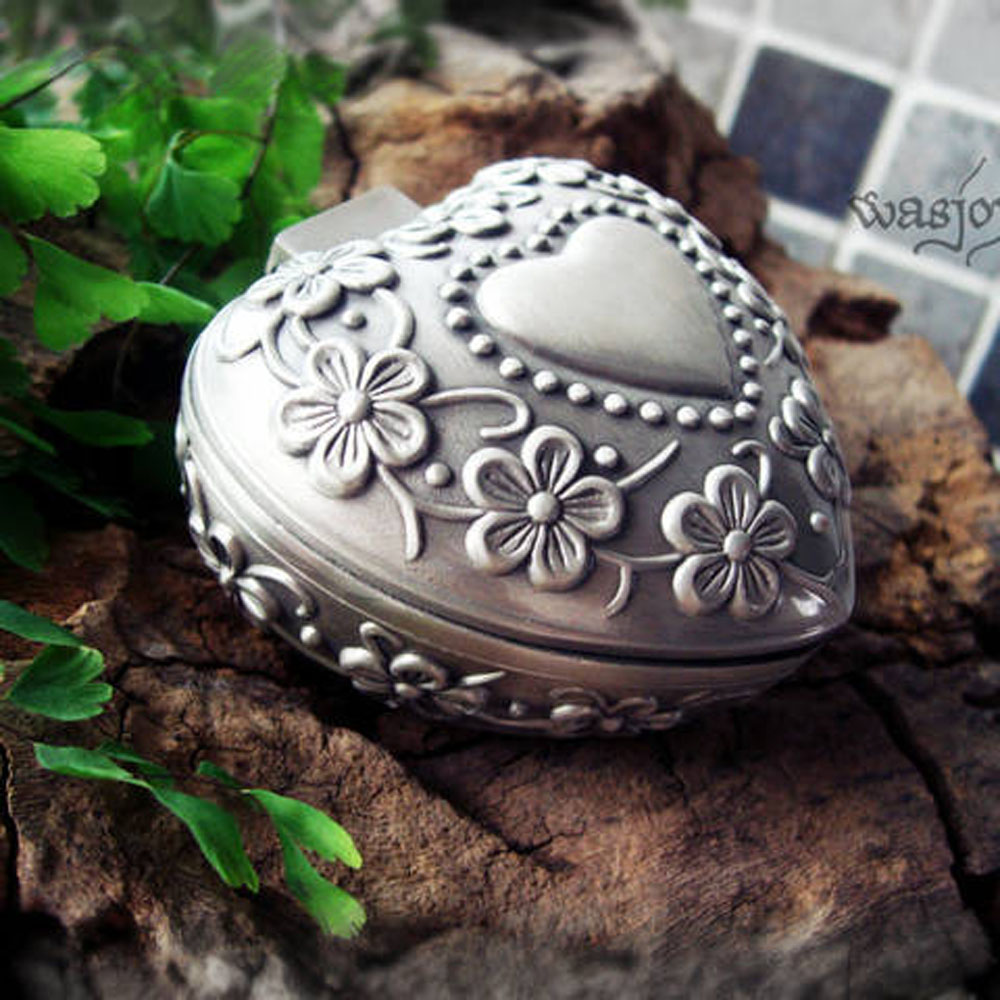 Wedding Gift Jewel case Metal jewellery box Valentines gifts boxes wedding Classic Carving Heart Ring Boxes for Bride