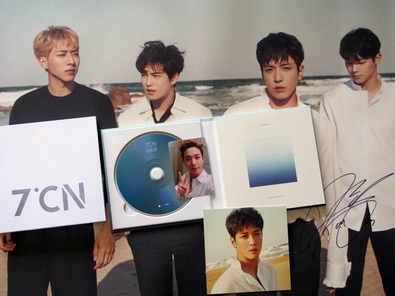 CNBLUE autographié signé mini 7th album 7CN CD + affiche signée nouvelle version coréenne 03.2017