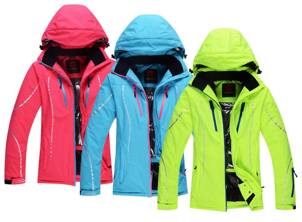 Prix pour Pas cher Femmes Ski Veste Sports de Plein Air Dames Snowboard Vêtements 10000 Étanche-30 Chaud Manteau D'hiver de Neige Costume Rouge Vert bleu