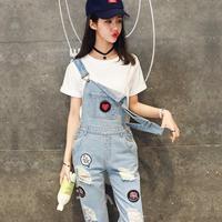 2017 Outono Coreano calças de Brim Do Furo de Verão Macacão Adesivos Emblema Cinto de Cowboy Calças Estudantes Luz Azul Denim Macacão Macacão Casuais