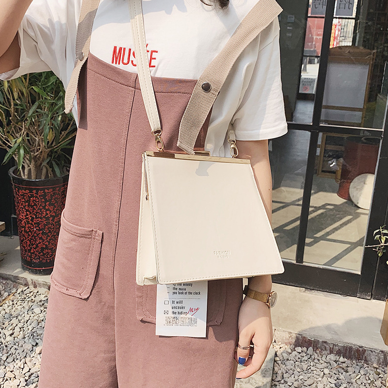 The new wave of 2019 spring Korean net red black bag women 39 s simple messenger bag shoulder bag in Top Handle Bags from Luggage amp Bags