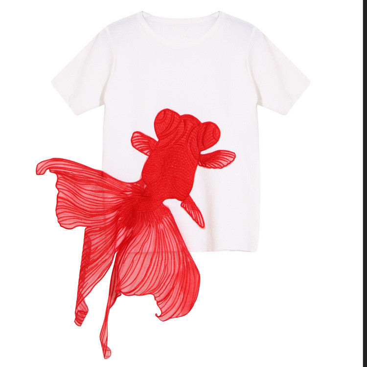 Embroidery Goldfish Knitted Short Sleeved T-shirt for Women
