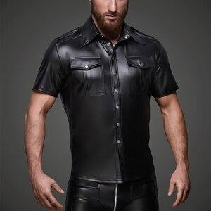 Image 1 - Męski ze sztucznej skóry koszule PU skóra koszulki z krótkim rękawem mężczyźni Sexy topy Fitness gejów lateksowe koszulka Tees mężczyzna etap topy Tee Sexy odzież klubowa