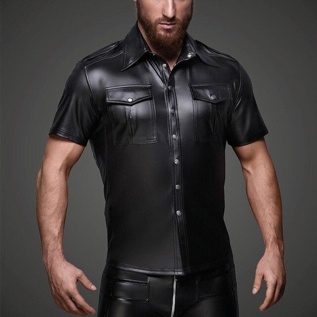 Męski ze sztucznej skóry koszule PU skóra koszulki z krótkim rękawem mężczyźni Sexy topy Fitness gejów lateksowe koszulka Tees mężczyzna etap topy Tee Sexy odzież klubowa